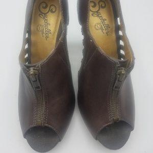 Seychelles leather Peeptoe heels size 6